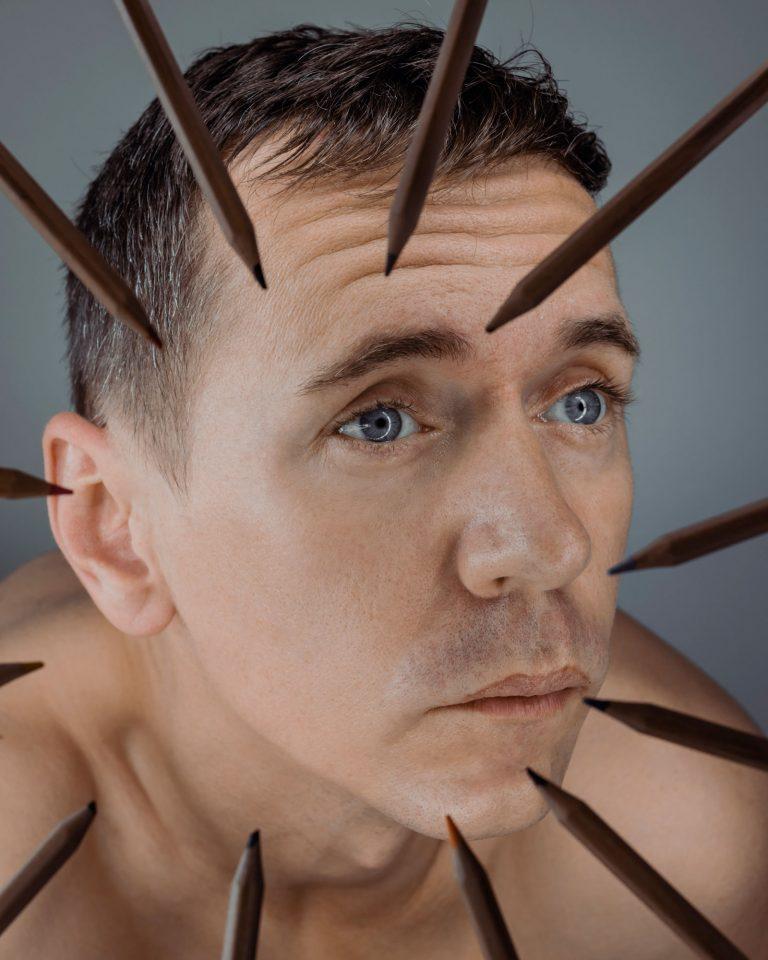 Peter Plichta, portrét s ceruzkami